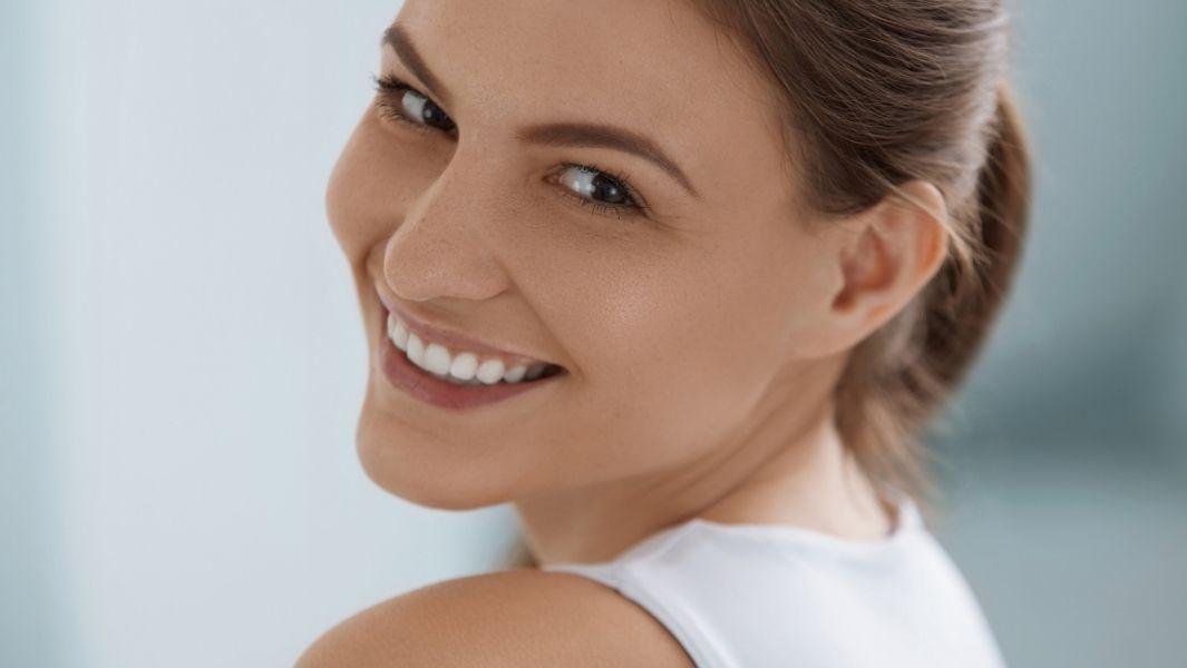 חיוך מושלם, כבר לא צריך להסתפק בשיניים עקומות
